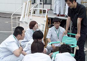 介護施設でのユア・サポーター活動の様子のイメージ