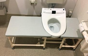 排泄訓練のため、トイレ脇に台が欲しい(問題解決のポイント)