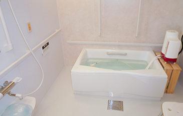 座位入浴でお風呂への出入りを安全に(現状の問題点)