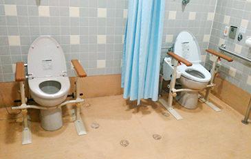 トイレでの座位保持と立ち上がり補助がほしい(問題解決のポイント)