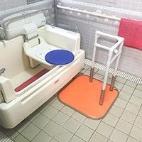 シャワーキャリーから特殊浴そうへの移乗負担を減らしたい