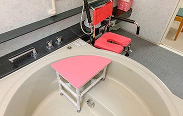 シャワーキャリーから浴そうへ安全に移乗したい(問題解決のポイント)