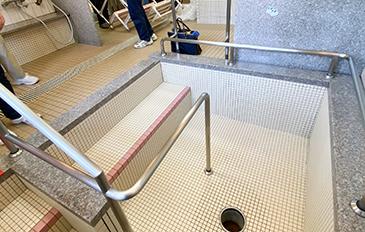 安全に浴そうへ出入りできるよう段差解消をしたい(現状の問題点)