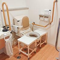 浴室やトイレでの移乗・座位保持を安全に行いたい