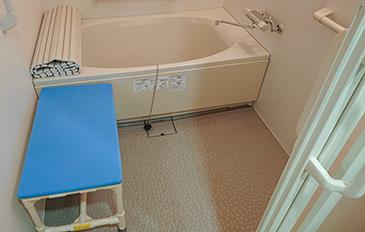 浴室やトイレでの移乗・座位保持を安全に行いたい(現状の問題点)